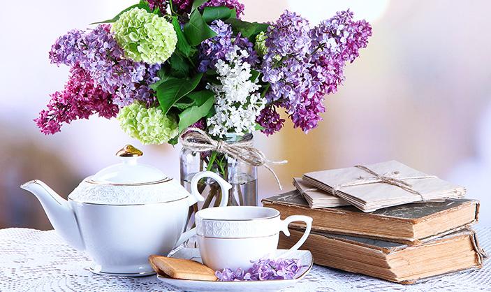Margaret-McHenry-Wichita-KS-Fresh-Flowers-to-Brighten-up-Your-Home-June-2015-HYDRANGEA-ARRANGEMENT