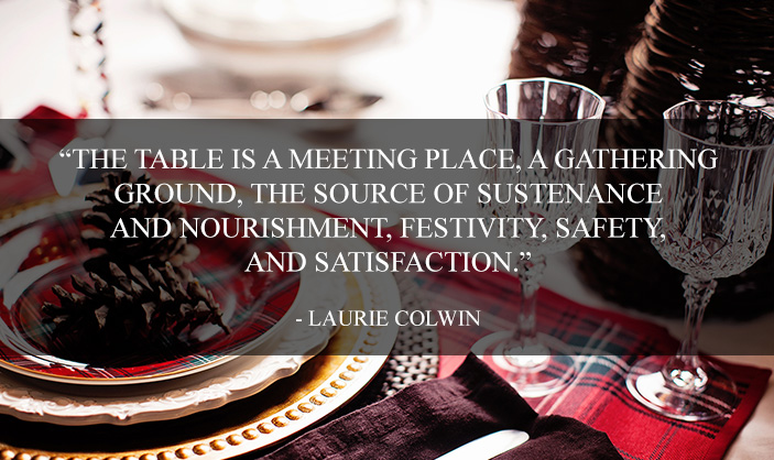 Holiday-Place-Settings-for-a-Festive-Gathering